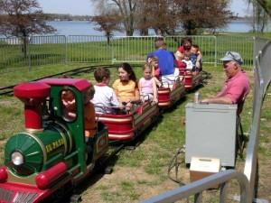 kids-train-ride